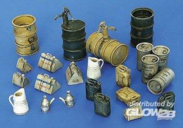Deutsches Equipment WWII Tanklager Zubehör · PM 4022 ·  plusmodel · 1:48