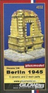 Berlln 1945 · PM 4032 ·  plusmodel · 1:48