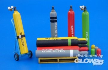 U.S. Pressure bottles - modern · PM 478 ·  plusmodel · 1:35