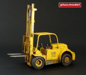 American forklift · PM 484 ·  plusmodel · 1:35
