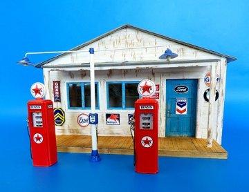 Gas station · PM 494 ·  plusmodel · 1:35