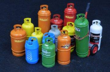 Gas bottles-big · PM 520 ·  plusmodel · 1:35