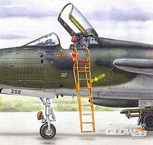 Ladder F-105 · PM AL4039 ·  plusmodel · 1:48