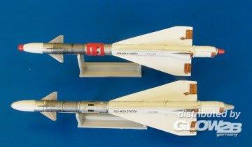 Missile R-40T · PM AL4044 ·  plusmodel · 1:48