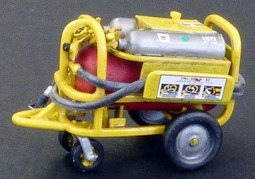 Flightline extinguisher · PM AL4067 ·  plusmodel · 1:48