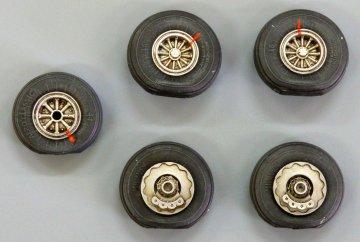 Wheels for DC-6/C-118 · PM AL7030 ·  plusmodel · 1:72