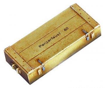 Kiste für Panzerfaust 60 · PM EL009 ·  plusmodel · 1:35
