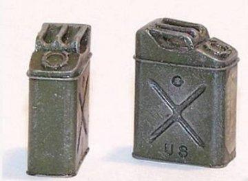 U.S. Benzinkanister - WWII · PM EL037 ·  plusmodel · 1:35