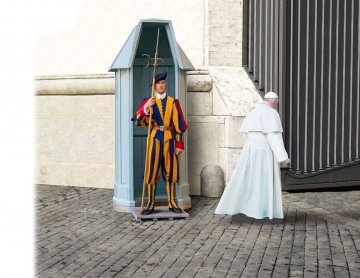 Swiss Guard · RE 02801 ·  Revell · 1:16