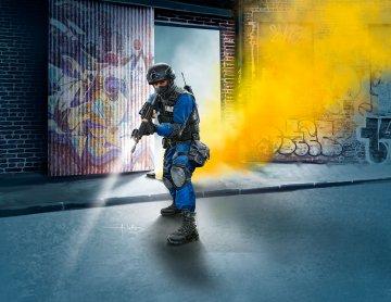SWAT Officer · RE 02805 ·  Revell · 1:16