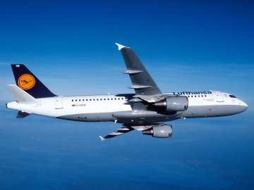 Airbus A320 Lufthansa · RE 04267 ·  Revell · 1:144