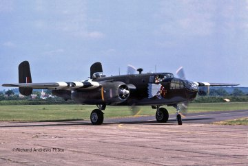 B-25C/D Mitchell · RE 04977 ·  Revell · 1:48
