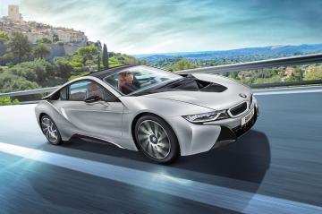 BMW i8 · RE 07670 ·  Revell · 1:24