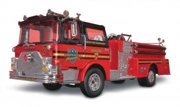 Mack Fire Pumper · RE 11225 ·  Revell · 1:32