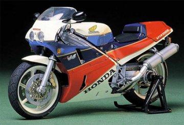 Honda VFR 750R 1987 · TA 14057 ·  Tamiya · 1:12