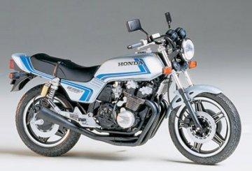 Honda CB 750F, Custom-Tuned · TA 14066 ·  Tamiya · 1:12