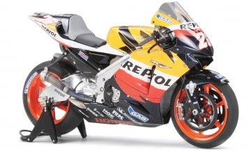 Repsol Honda RC211V `06 · TA 14106 ·  Tamiya · 1:12
