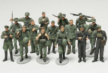 WWII Figuren-Set Dt.Infa.Manöv.(15) · TA 32530 ·  Tamiya · 1:48