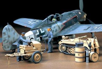German Aircraft Power Supply Unit & Kettenkraftrad · TA 32533 ·  Tamiya · 1:48