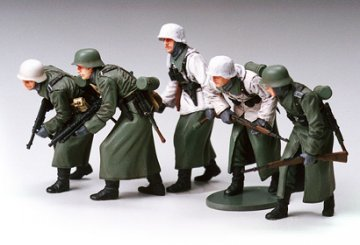German Assault Infantry with Winter Gear · TA 35256 ·  Tamiya · 1:35