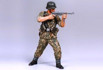 WWII German Elite Infantryman · TA 36303 ·  Tamiya · 1:16