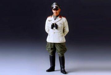 Feldmarschall Rommel (German Afrika-Korps) · TA 36305 ·  Tamiya · 1:16