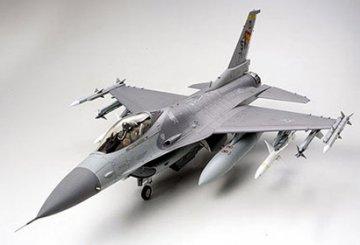Lockheed Martin F-16CJ (Block 50) Fighting Falcon · TA 60315 ·  Tamiya · 1:32