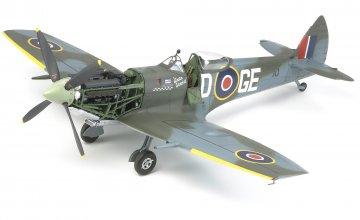 Supermarine Spitfire Mk.XVIe · TA 60321 ·  Tamiya · 1:32