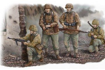 Waffen SS · TRU 00405 ·  Trumpeter · 1:35