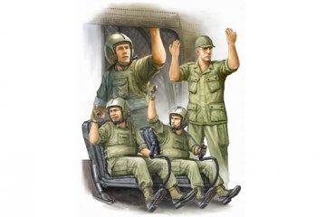 US Army CH-47 Crew in Vietnam · TRU 00417 ·  Trumpeter · 1:35