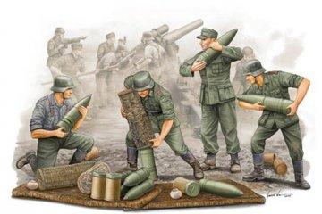 German Field Howitzer Gun Crew on carrying · TRU 00426 ·  Trumpeter · 1:35