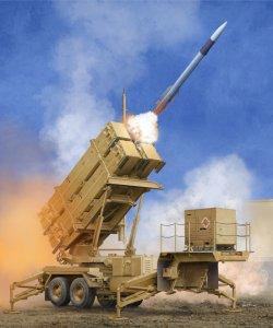 US M901 Launching Station w/MIM-104F Patriot SAM System (PAC-3) · TRU 01040 ·  Trumpeter · 1:35