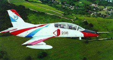 Chinese JL-8 (K-8 Karakorum) Trainer · TRU 01636 ·  Trumpeter · 1:72