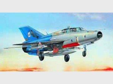 MiG-21 UM · TRU 02219 ·  Trumpeter · 1:32