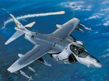 AV-8B Night Attack Harrier II · TRU 02285 ·  Trumpeter · 1:32