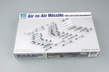 US aircraft weapon-Air-to-Air Missile · TRU 03303 ·  Trumpeter · 1:32