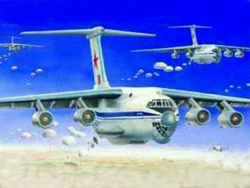 Iljushin IL-76 Candid Transport · TRU 03901 ·  Trumpeter · 1:144
