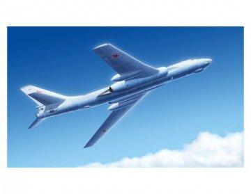 Tu-16k-26 Badger G · TRU 03907 ·  Trumpeter · 1:144