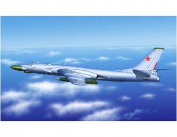Tu-16k-10 Badger C · TRU 03908 ·  Trumpeter · 1:144
