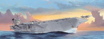 USS Kitty Hawk CV-63 · TRU 05619 ·  Trumpeter · 1:350