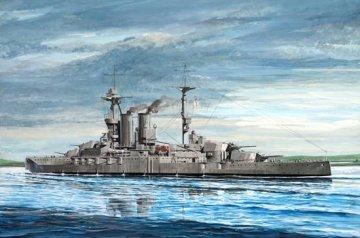 HMS Warspite 1915 · TRU 05780 ·  Trumpeter · 1:700