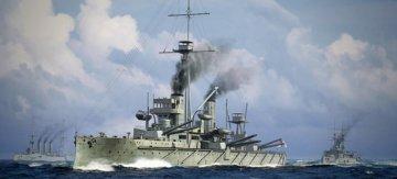 HMS Dreadnought 1915 · TRU 06705 ·  Trumpeter · 1:700