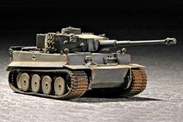 Tiger 1 Tank (Early) · TRU 07242 ·  Trumpeter · 1:72