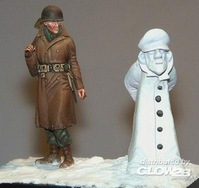 Soldat mit Schneemann